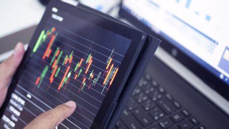ما هي استراتيجية تداول الزخم في سوق الفوركس